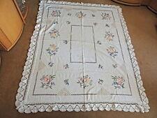 Antike Tischdecken im festlichen Stil mit Stickerei aus Baumwolle