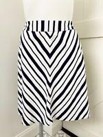 Lane Bryant Women's Plus Size 18 Navy Blue White Chevron Stripe Skirt