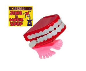 Mini Chattering Teeth ~ Wind Up Choppers on Feet! ~ Classic Joke Novelty Toy
