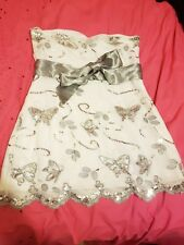 Short White Butterfly Strapless Dress Size 6, new but without tags
