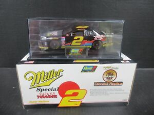 1997 Revell Miller Ford Thunderbird # 2 Rusty Wallace  1:24th Scale