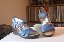 Born B33204 Blue Leather 2 1/2 Inch Wedge Heel Ankle Strap Sandals Wo's Size 9