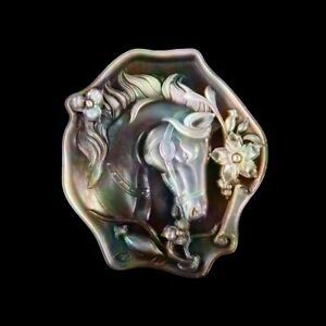 Carved Horse MOP Pearl CAB GG001018