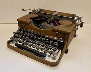 RARE Vogue Royal Model P Typewriter RARE