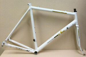 CANNONDALE ALUMINUM FRAME AND FORK 2.5 KGS 56 CM