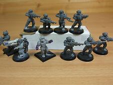 10 Plastica Imperial Guard Troopers leggermente convertiti non verniciata (864)