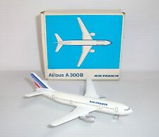 Miniature ancienne avion Schuco Airbus A 300B Air France Nr. 335 795 1/600