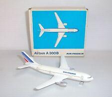 Miniature ancienne avion Schuco Airbus A 300B Air France Nr. 335 795 1/600