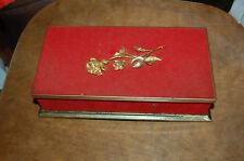 Ancienne boite en  métal  vide  - rose en métal - boite rouge et doré -