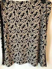 BCBGMaxAzaria Umbrella Printed Stretch Skirt Slits on Sides Sz Medium