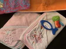 3 Schlüpfkapuzenbadetücher 2 Kapuzenbadetücher Badethermometer Badespielzeug