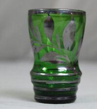 Biedermeier Glas - kleiner Trink Becher - Grün mit floraler Silber Bemalung /114