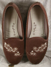 Unbranded size 7 pink with floral detail slippers hard bottem spanking