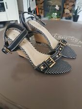 Lunar sandals size 5