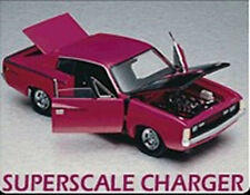 1972 CHRYSLER VALIANT CHARGER R/T Trax Superscale 1.24 Magenta