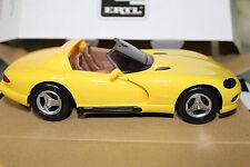 AMT 1:24 Scale 1994 DODGE VIPER RT/10 PROMO CAR (DANDELION YELLOW PEARLCOAT)