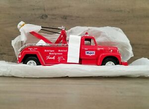 First Gear 1957 International R-200 Tow Truck Mobile 1/34