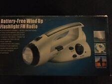 Battery Free Wind-up Flashlight FM Radio
