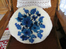 "VINTAGE/RETRO WOOL HANDMADE LATCH HOOK ROUND CUSHION APPROX 19"" SHABBY CHIC"