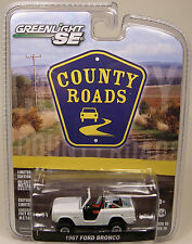WHITE 1967 FORD BRONCO GREENLIGHT COLLECTIBLES 1:64 SCALE DIECAST METAL MODEL