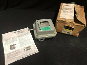 NEW GE LIMIT SWITCH GEARED ROTARY CR115E729111