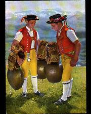SCHELLEN-SCHUTTEN (SUISSE) HOMME en COSTUME avec CLOCHES GEANTES en 1958