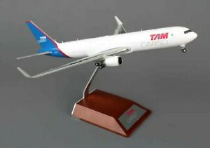1:200 JC Wings TAM CARGO B767-300F