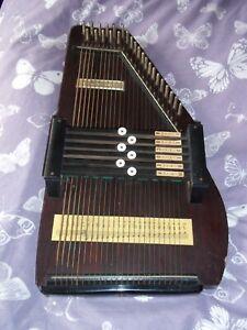 Vintage Autoharp Musical  Instrumen.t 6 Chord Bar. Needs some tlc.