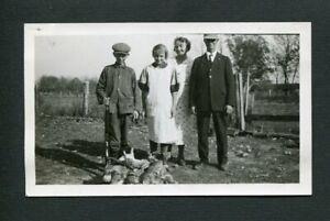 Victorious Family o Hunters w/ Hunting Guns & Rabbit Quarry Vintage Photo 471111