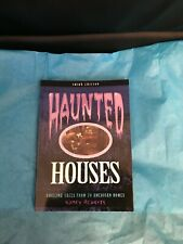 Haunted Houses Paperback by Nancy Roberts-Brand New