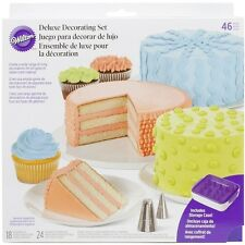 Wilton Cake Decorating Decoration Deluxe Set 46 pc 18 tips 24 Bags Spatula Case
