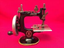 Antique 1920's SINGER SEWING MACHINE No.20 Child's Cast Iron Hand Turn