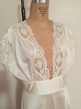 Ivory Nylon Deep Plunge LILY OF FRANCE Night Gown + Breakfast Shrug M/L EUC