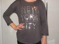 H&M Shirt PAILLETTEN grau silber 3/4 Arm Gr. 164 170 GLITZER * NEU