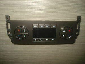 Hummer H2 Air Conditioning Control Device 25868012 GM Unit Temperature Panel