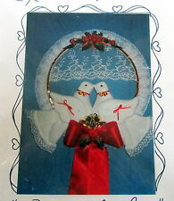 Craft Pattern Vtg 80s wallhanging HOOP soft sculpture Love Birds DOVE wreath 16""