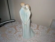 RARE ROYAL WORCESTER FIGURINE MOMENTS HAPPY ANNIVERSARY COUPLE HOLDING HANDS