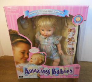 Playmates Amazing Babies Interactive Doll 2000 - For Parts or Repair