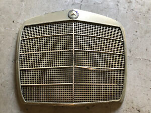 MERCEDES W108 280SE W109 300SE USED FRONT GRILLE SEDAN 4 DOOR EARLY STYLE