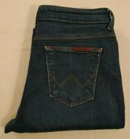 Wrangler Ladies Regular Body Bootcut Jeans Blue Wash Zip Fly Size W 30 L 30