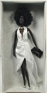 Model of The Moment Nichelle Urban Hipster Doll Gold Label #C3822 NRFB 2004