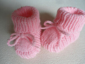 Warme Babyschühchen-Söckchen Handgestrickt Geschenk Geburt-Taufe 0-6Mon Neu
