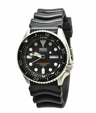 Seiko Automatic Diver's SKX007J1 Black Dial Black Rubber Band Made in Japan Watc