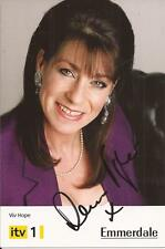 EMMERDALE * DEENA PAYNE ' VIV HOPE ' SIGNED 6x4 PORTRAIT PROMO/PHOTO+COA