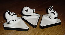 Three Sleek Porcelain Triangular Cat Dishes Or Ashtrays - MEEL - France