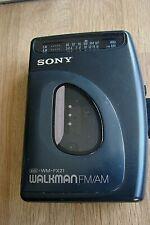 SONY WALKMAN WM-FX21 CASSETTE PLAYER WITH AM / FM / RADIO
