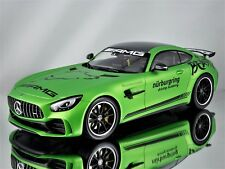 Minichamps Mercedes Benz AMG GT-R (C190) Ring Taxi 2017 Green Hell Magno 1:18