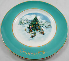 "1978 Avon Christmas Collectors Plate ""Trimming The Tree"" by Enoch Wedgwood"
