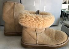 Womens Authentic Uggs Sz 5 Classic Short Tan Boot Excellent Preowned Style 5825
