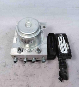 2017 Honda HR-V Anti Lock Brake Actuator Pump Assembly ABS